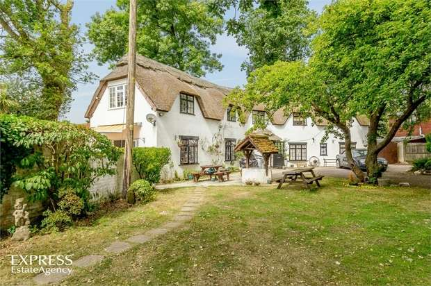 6 Bedrooms Detached House for sale in Hundred Lane, Portmore, Lymington, Hampshire