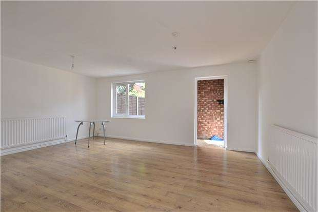 2 Bedrooms Terraced House for sale in Newfoundland Road, St Agnes, Bristol, BS2 9NS