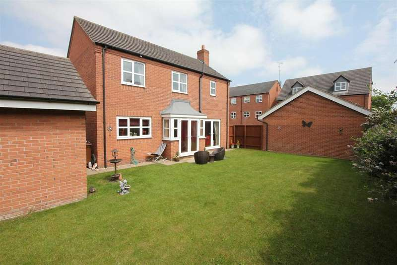 4 Bedrooms Detached House for sale in Pickering Place, Burbage