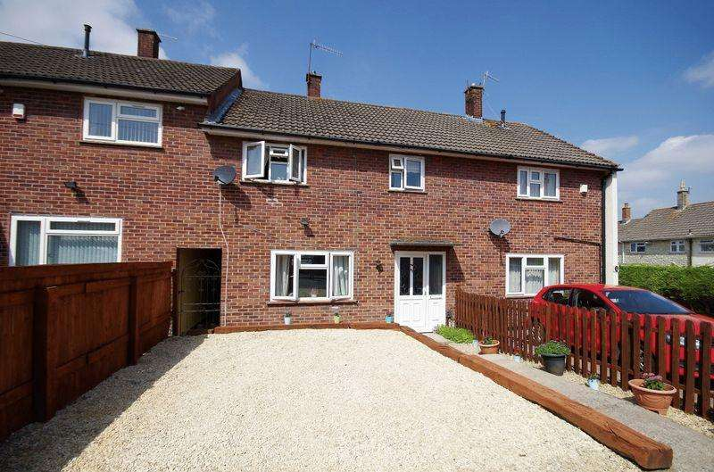 3 Bedrooms Terraced House for sale in Whiting Road, Bristol