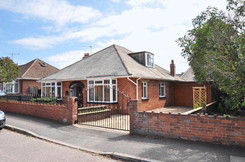 3 Bedrooms Detached House for sale in Whipton, Exeter