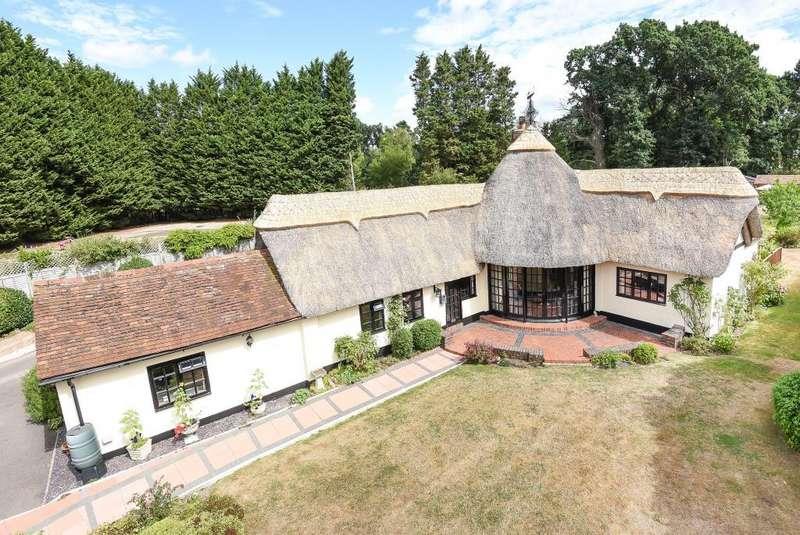 4 Bedrooms Cottage House for sale in Woodside, Windsor, Berkshire, SL4