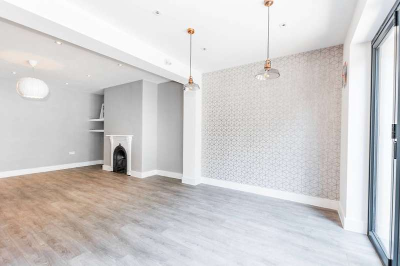 3 Bedrooms Flat for sale in Tetherdown, Muswell Hill, N10