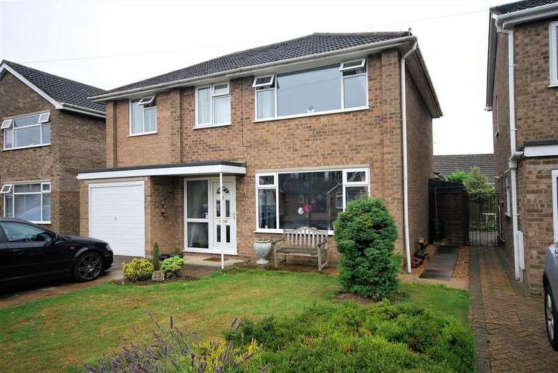 4 Bedrooms Detached House for sale in 13 Harpe Close, Pinchbeck, Spalding