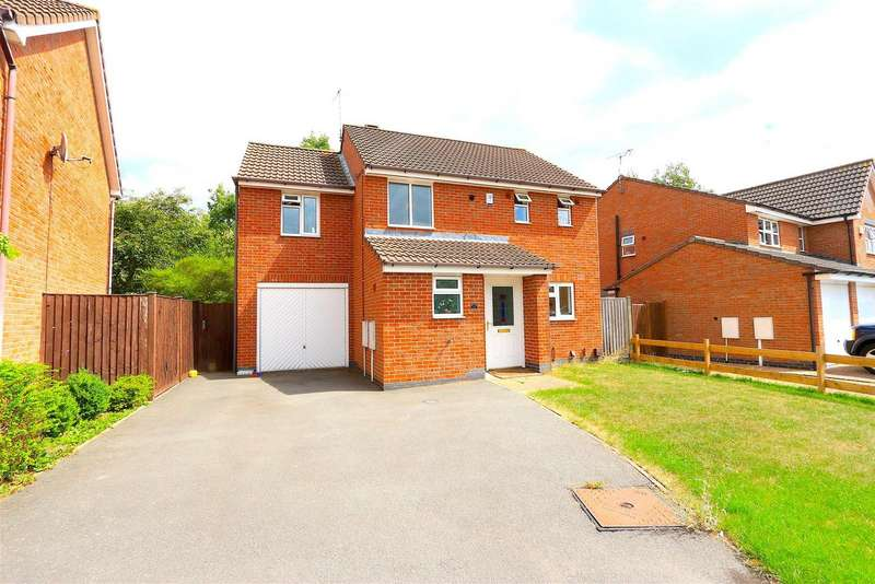 4 Bedrooms Property for sale in Astill Close, Ratby