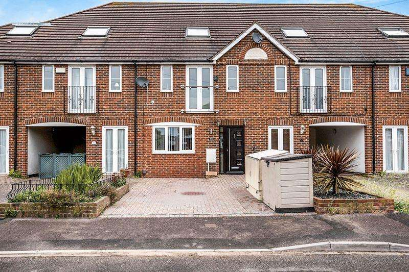 4 Bedrooms Town House for sale in Grove Avenue, Gosport, PO12