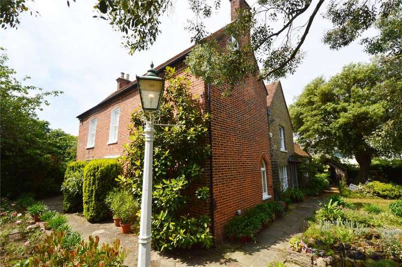 6 Bedrooms Detached House for sale in Church Road, Shoeburyness, Essex, SS3