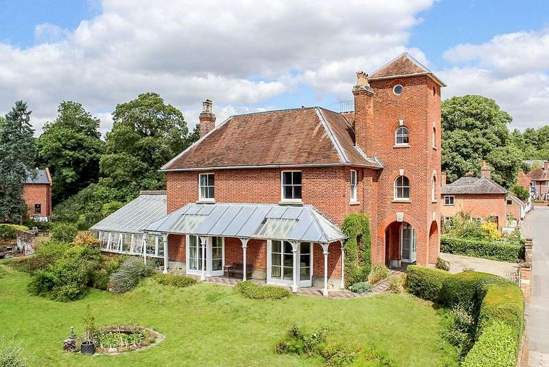 5 Bedrooms Detached House for sale in Station Road, Woolhampton, Reading