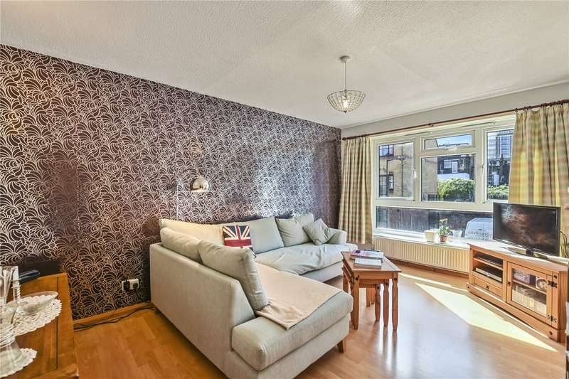 3 Bedrooms Flat for sale in Brierly Gardens, London, E2