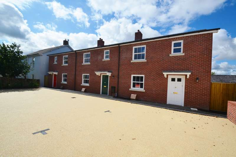 3 Bedrooms Terraced House for sale in Blandford Town Centre