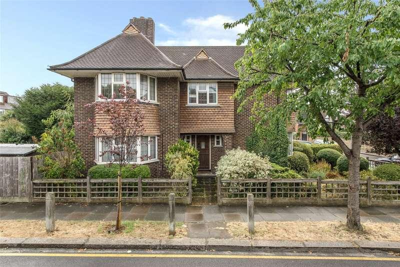 4 Bedrooms Detached House for sale in Ellerton Road, Wandsworth, London, SW18