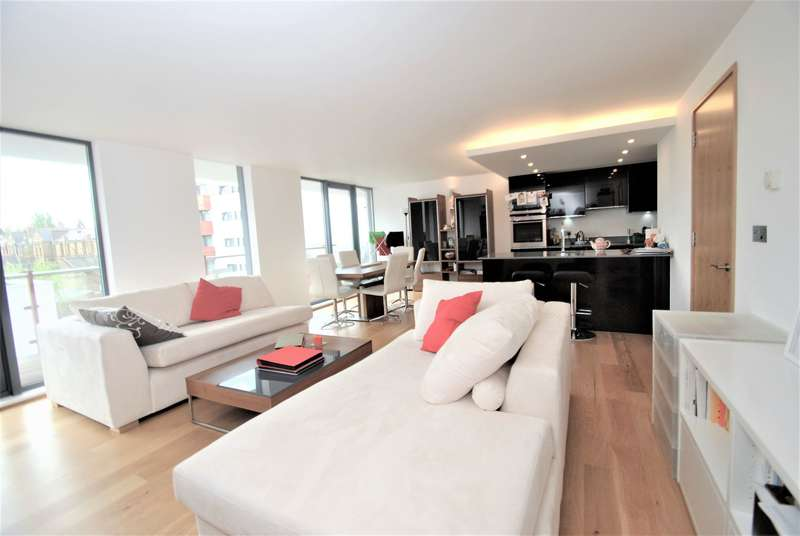 2 Bedrooms Flat for sale in Barlby Road, W10