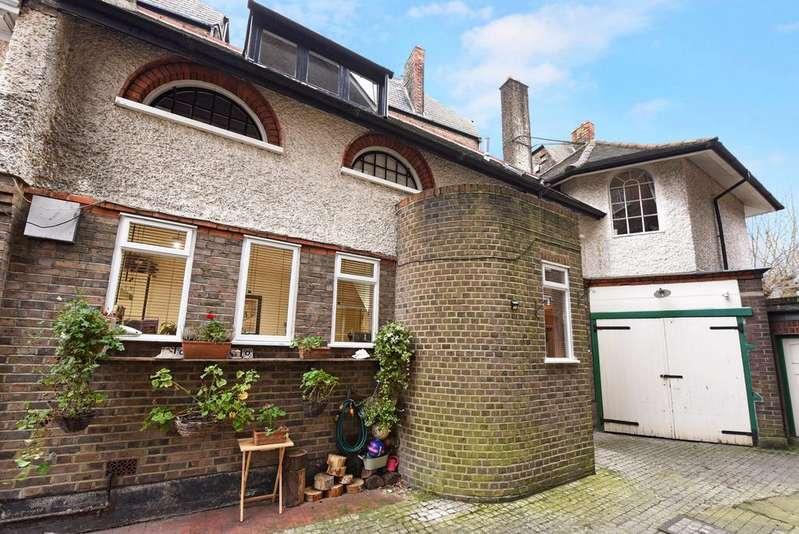 2 Bedrooms Flat for sale in Drewstead Road, Streatham
