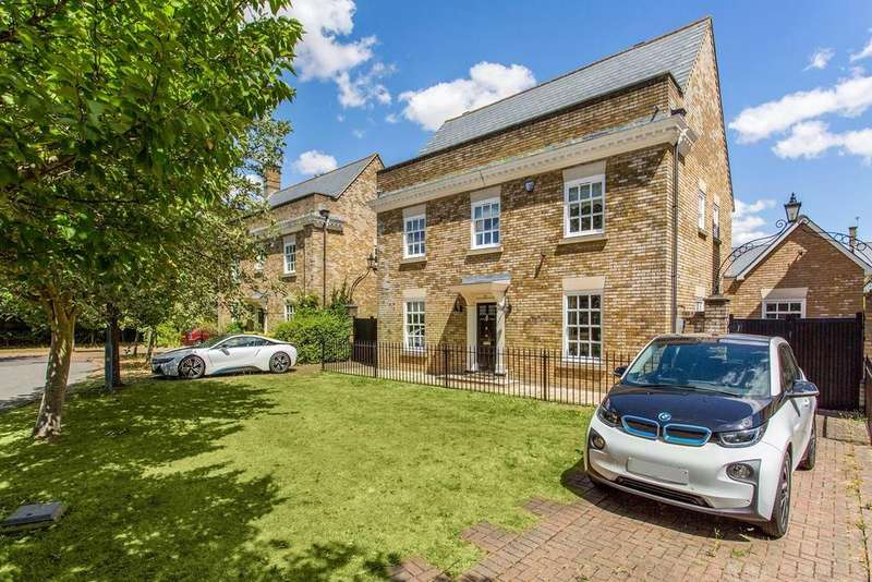 5 Bedrooms Detached House for sale in Wood Way, Great Notley, Braintree, Essex, CM77