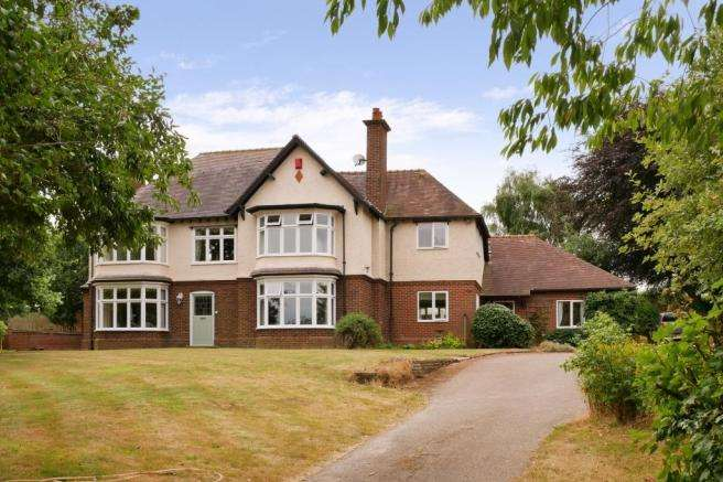 4 Bedrooms Country House Character Property for sale in The Mount, Chetwynd Aston, Newport, Shropshire, TF10 9LD