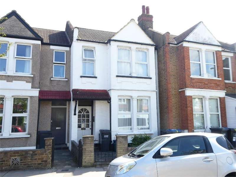 3 Bedrooms Terraced House for sale in Lincoln Road, London