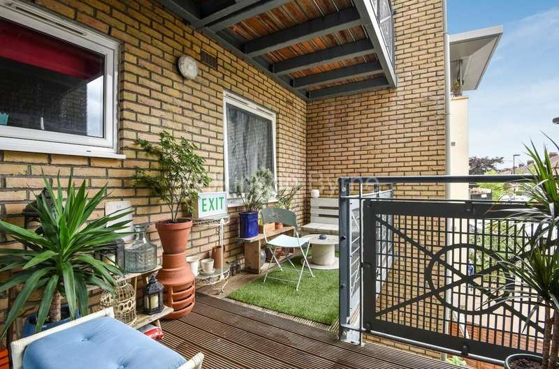2 Bedrooms Apartment Flat for sale in Ash Court