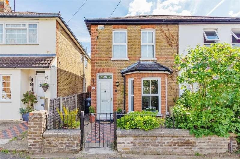 3 Bedrooms Semi Detached House for sale in Milner Road, Burnham, Buckinghamshire