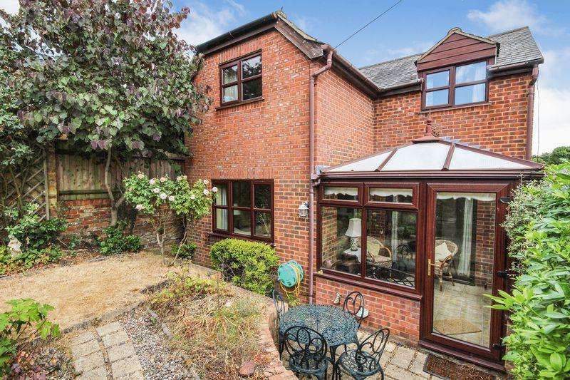 3 Bedrooms Detached House for sale in Park Hill, Ampthill