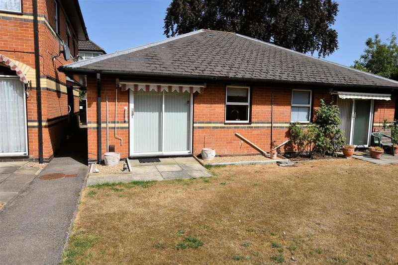 1 Bedroom Semi Detached Bungalow for sale in Windsor Court, Reading
