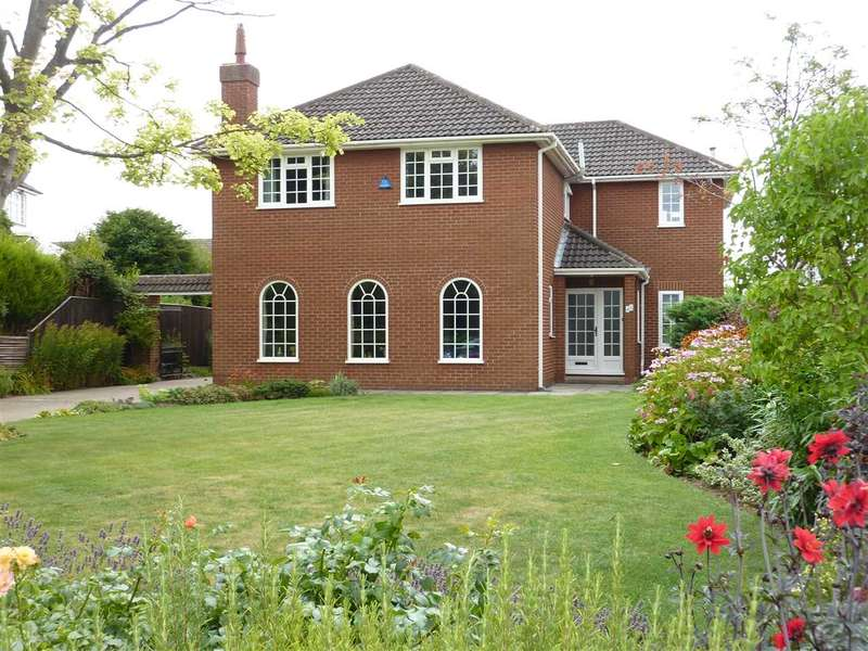 5 Bedrooms Detached House for sale in UTTERBY DRIVE, GRIMSBY