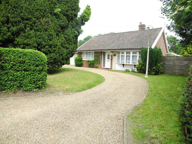 3 Bedrooms Detached Bungalow for sale in Trunch Hill, Denton, Harleston