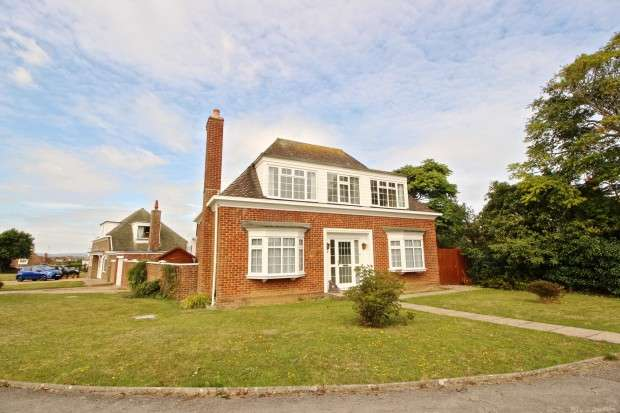 3 Bedrooms Detached House for sale in Jevington Close, Bexhill-on-Sea, TN39