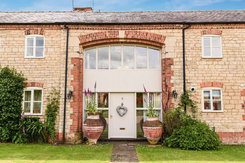 3 Bedrooms Barn Conversion Character Property for sale in The Granaries, Scopwick, Lincoln, LN4 3NJ