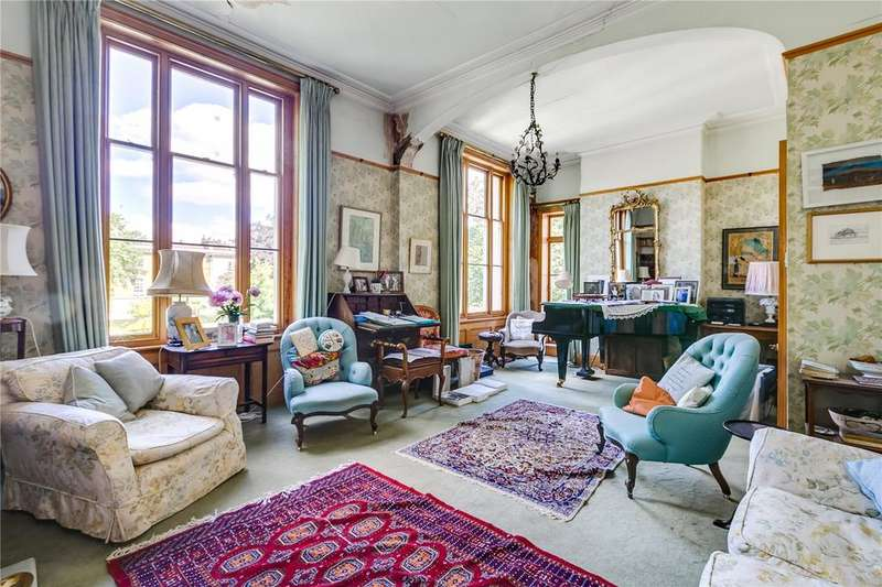 4 Bedrooms Maisonette Flat for sale in Maida Avenue, Little Venice, London