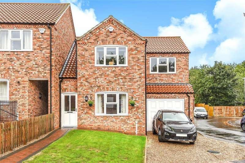 3 Bedrooms Semi Detached House for sale in Oak Tree Meadow, Horncastle, LN9