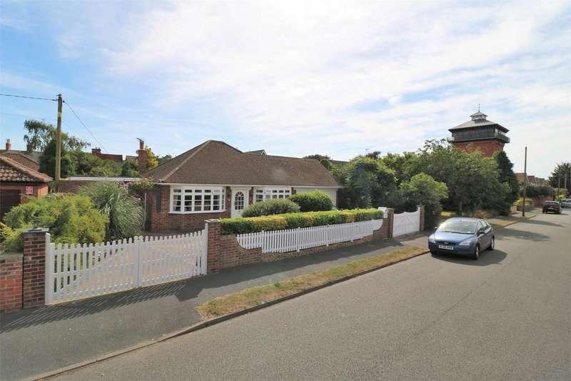 2 Bedrooms Detached Bungalow for sale in Tower Road, Wivenhoe, Essex