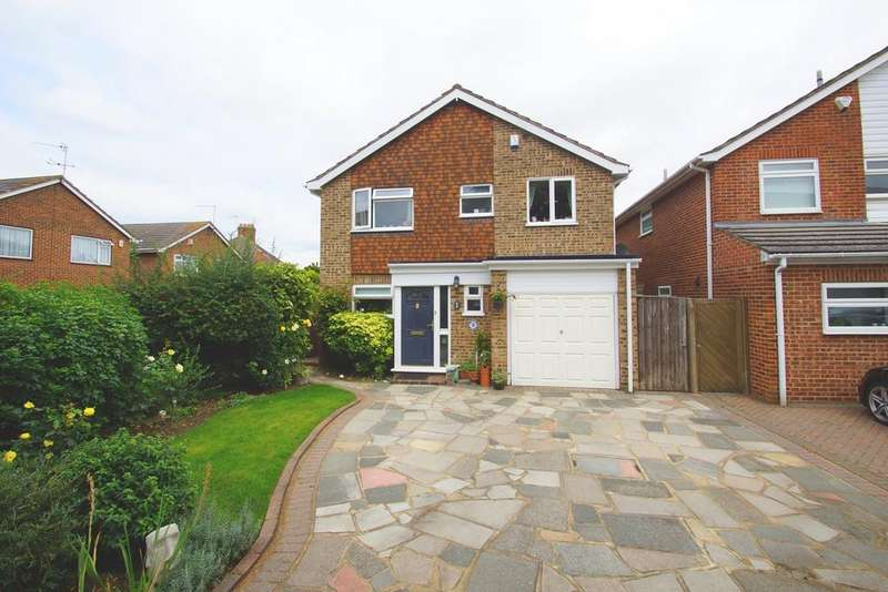 4 Bedrooms Detached House for sale in Rosewood Close, Sidcup, DA14