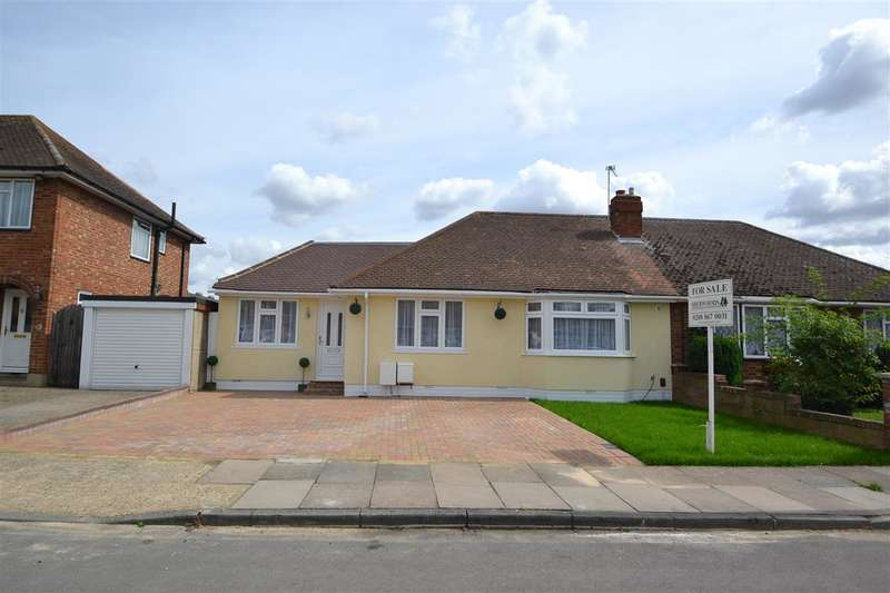 4 Bedrooms Bungalow for sale in Hazelmere Close, Bedfont