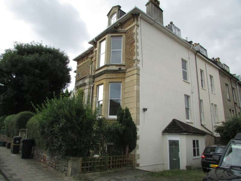 2 Bedrooms Flat for sale in Lower Ground Floor Flat, 6 Cotham Gardens, Bristol
