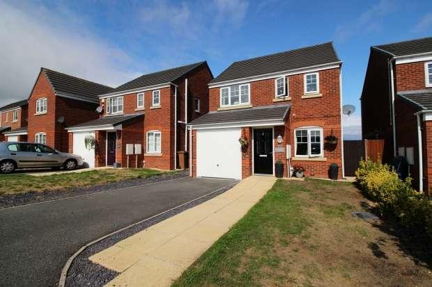 3 Bedrooms Detached House for sale in Ffordd Yr Ysgol, Flint, Clwyd, CH6 5ET