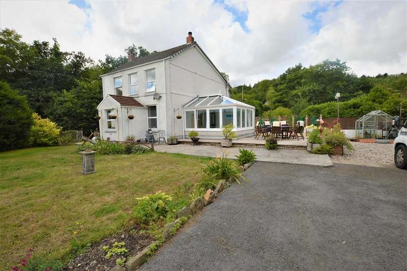 3 Bedrooms Detached House for sale in Ponthenry, Llanelli