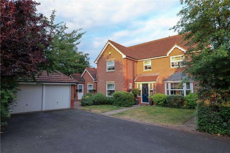 4 Bedrooms Detached House for sale in Malvern Road, The Forelands, Bromsgrove, Worcestershire, B61