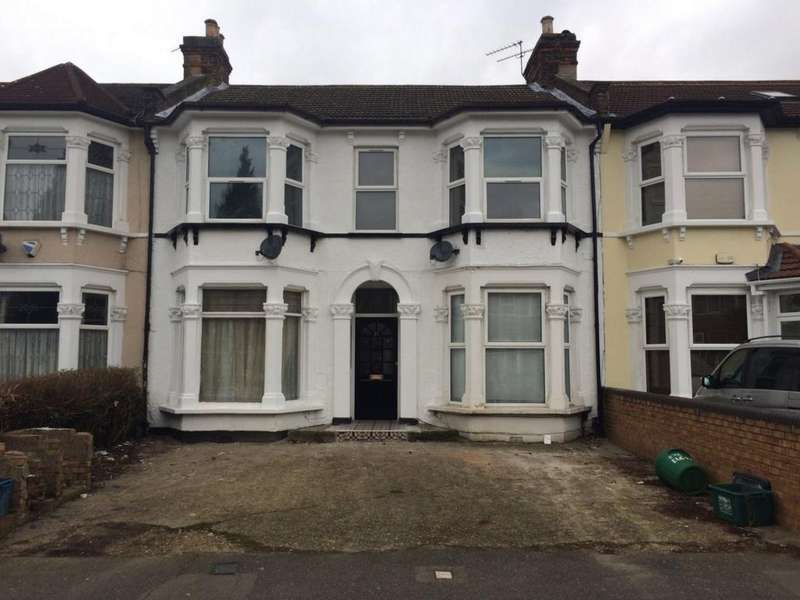 3 Bedrooms Flat for sale in Elgin Road, Ilford, IG3