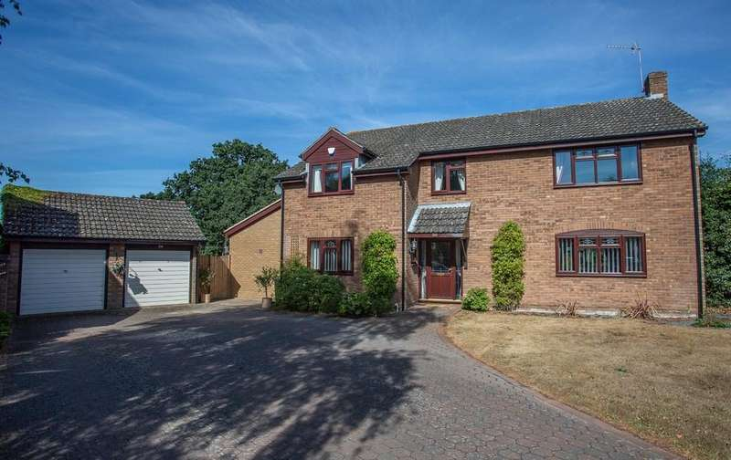 4 Bedrooms Detached House for sale in Wensum Valley Close, Hellesdon