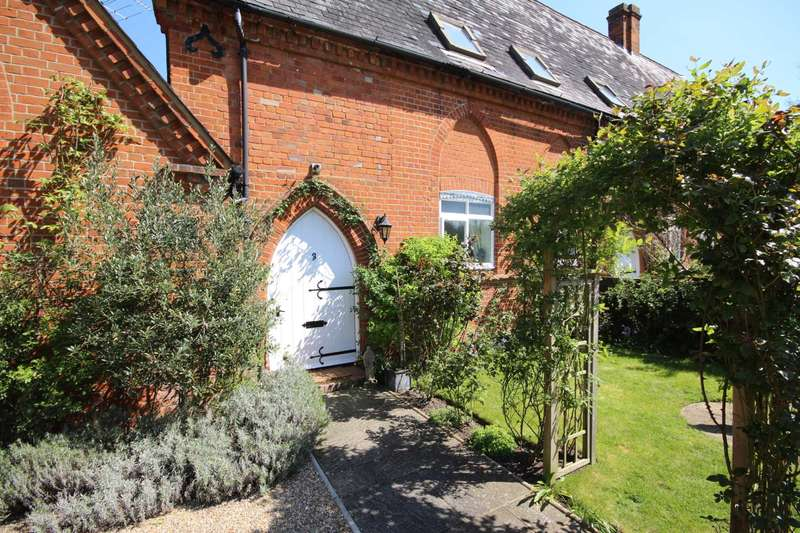 4 Bedrooms Semi Detached House for sale in Church Lane, Binfield