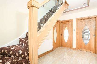 6 Bedrooms Semi Detached House for sale in Radstock Avenue, Hodge Hill, Birmingham, West Midlands