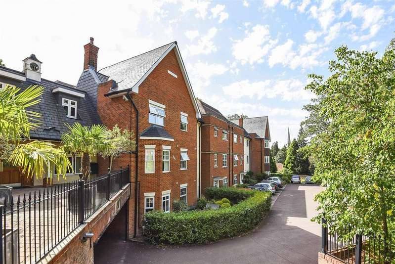 2 Bedrooms Retirement Property for sale in Reading Road, Wokingham, Berkshire RG41 1AB