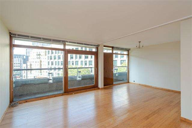 2 Bedrooms Flat for sale in Thomas More House, Barbican