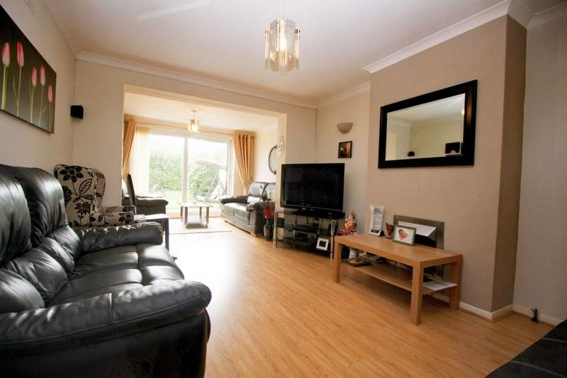 3 Bedrooms Semi Detached House for sale in Asquith Boulevard, Leicester, LE2
