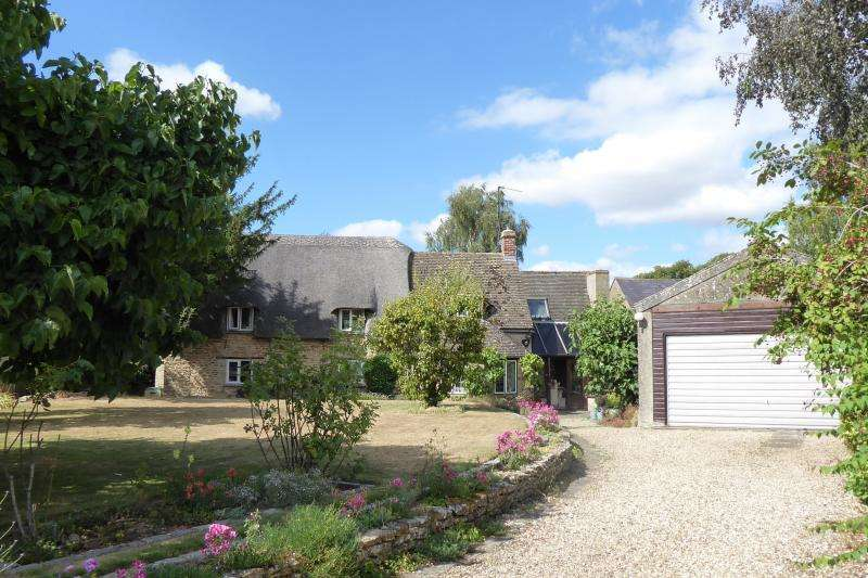 3 Bedrooms Cottage House for sale in March Cottage, Littleworth, Faringdon, Oxfordshire