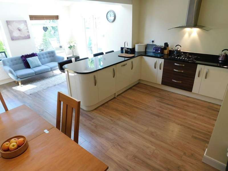 4 Bedrooms Mews House for sale in Cinder Hill,Railway Terrace, Lindal in Furness,Ulverston. LA12 0LQ