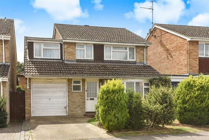 4 Bedrooms Link Detached House for sale in Sarum Crescent, Wokingham, Berkshire RG40 1XF