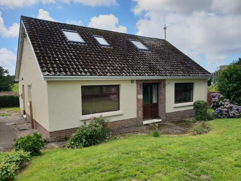 3 Bedrooms Detached House for sale in Lawn View
