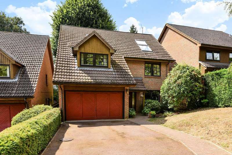 5 Bedrooms Detached House for sale in Woodcote, Maidenhead, SL6