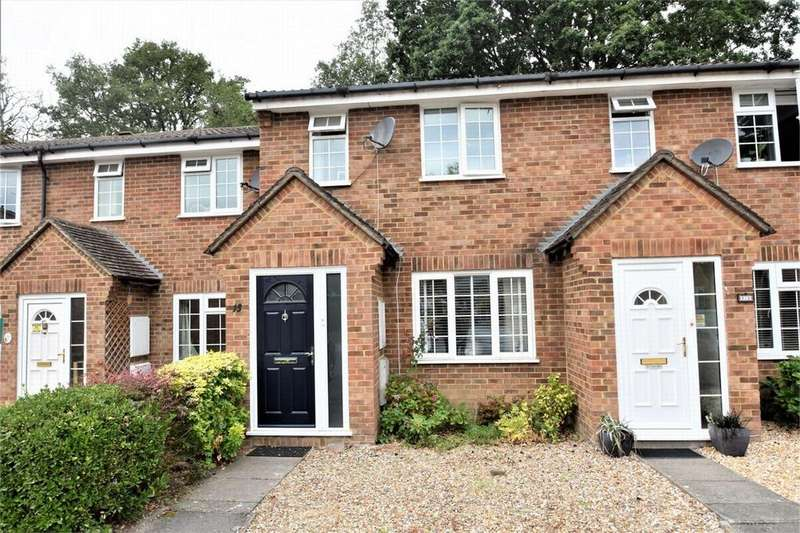 3 Bedrooms Terraced House for sale in Rother Close, SANDHURST, Berkshire